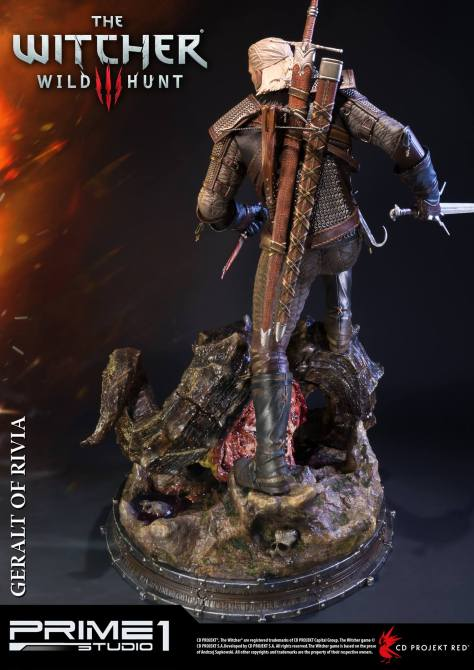 witcher-3-geralt-of-rivia-statue-008